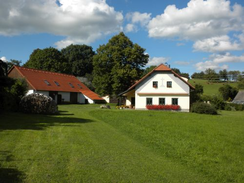 Farm in Květuš